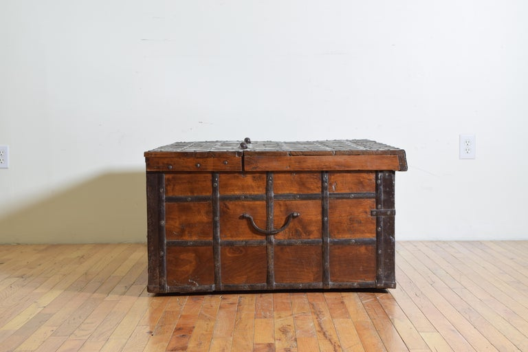 British Colonial Indian Large Teak and Iron-Bound Haveli Trunk, circa 1860 For Sale 2