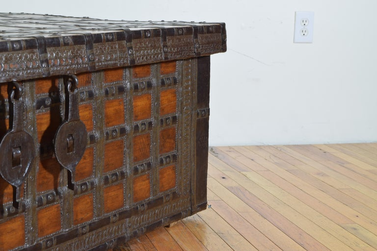 British Colonial Indian Large Teak and Iron-Bound Haveli Trunk, circa 1860 For Sale 5