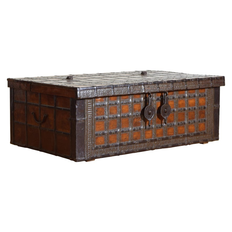 British Colonial Indian Large Teak and Iron-Bound Haveli Trunk, circa 1860 For Sale