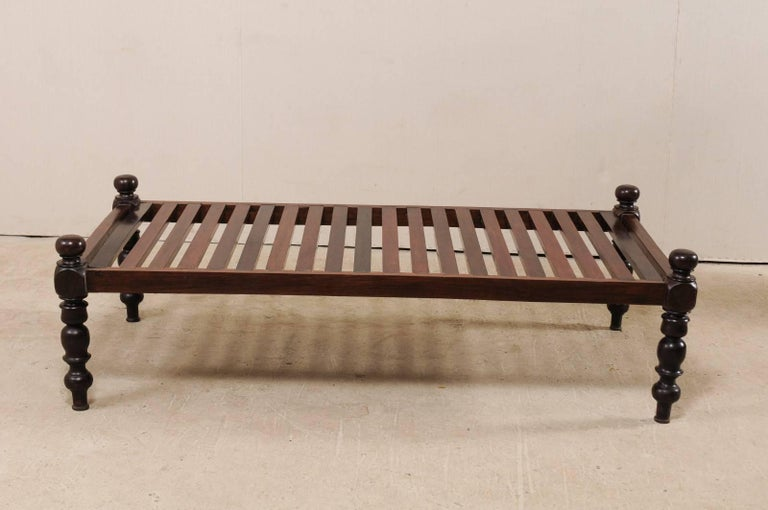 British Colonial Midcentury Slat Wood Daybed from India with Turned Legs For Sale 4