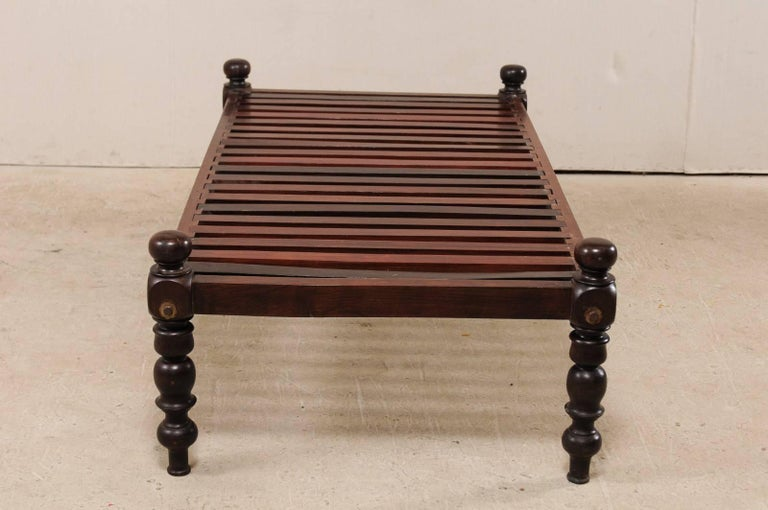 British Colonial Midcentury Slat Wood Daybed from India with Turned Legs For Sale 5