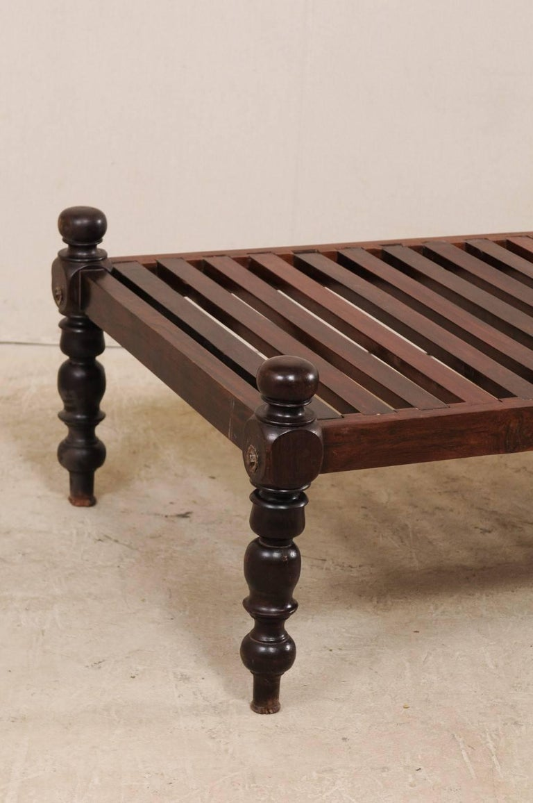 Indian British Colonial Midcentury Slat Wood Daybed from India with Turned Legs For Sale