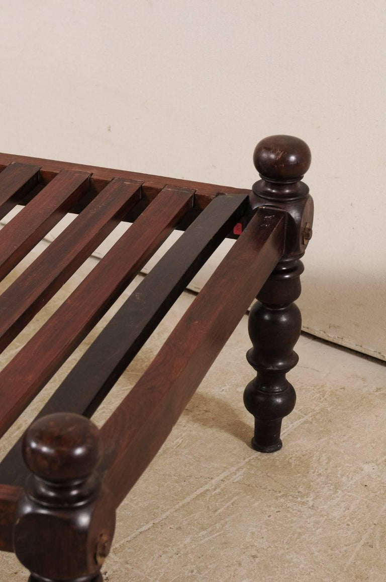 British Colonial Midcentury Slat Wood Daybed from India with Turned Legs For Sale 1