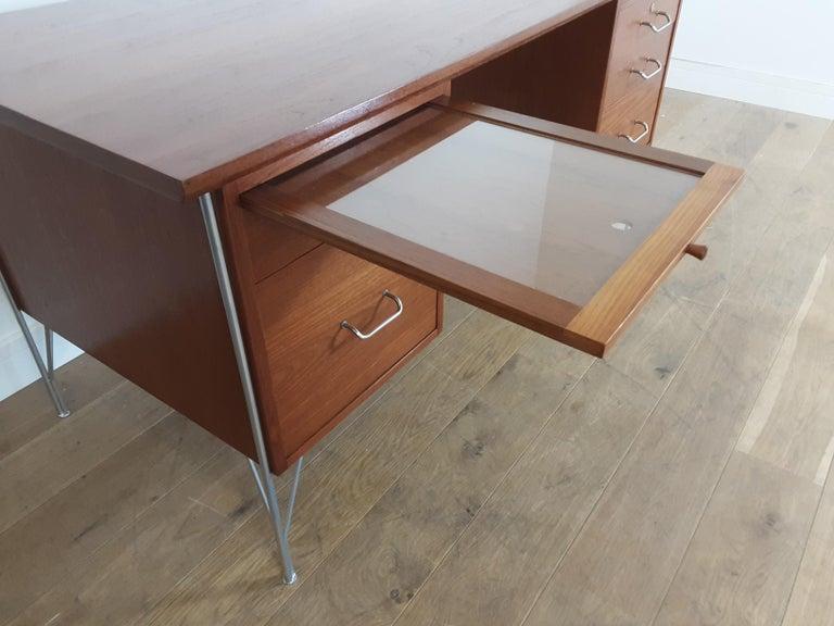 British Midcentury Teak Desk Designed by John and Sylvia Reid for Stag Furniture For Sale 5