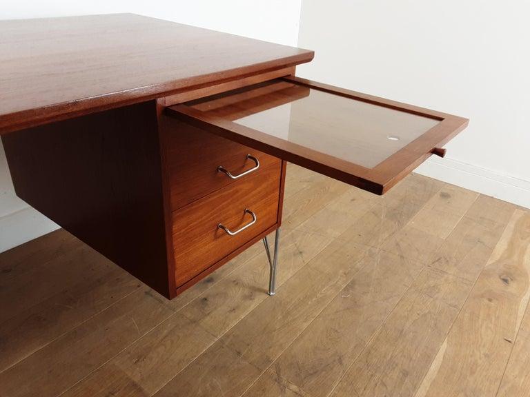 British Midcentury Teak Desk Designed by John and Sylvia Reid for Stag Furniture For Sale 6