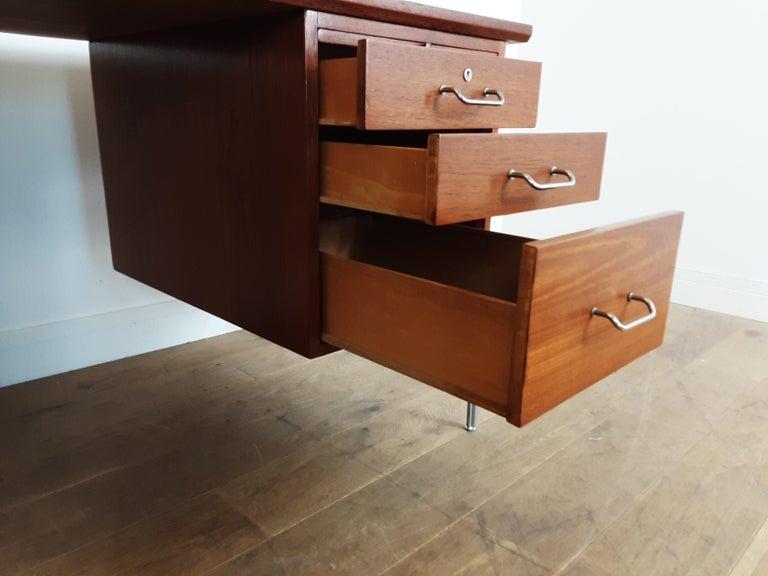 British Midcentury Teak Desk Designed by John and Sylvia Reid for Stag Furniture For Sale 7