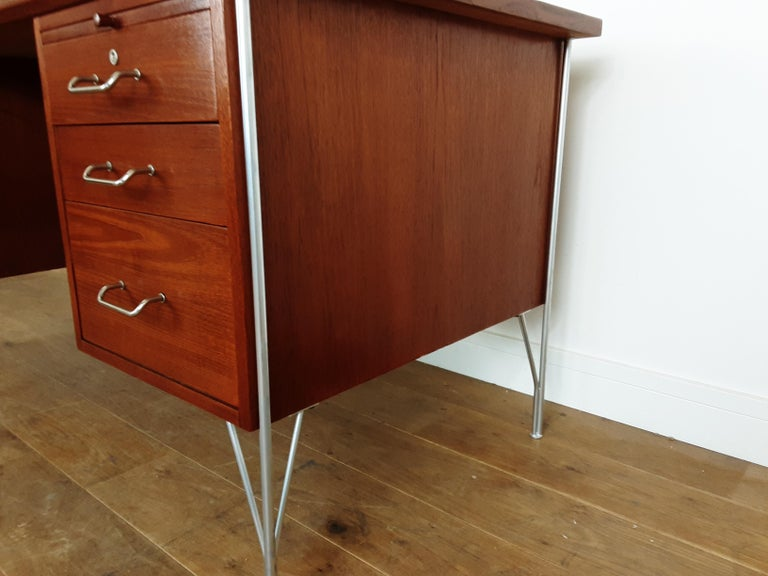 British Midcentury Teak Desk Designed by John and Sylvia Reid for Stag Furniture For Sale 9