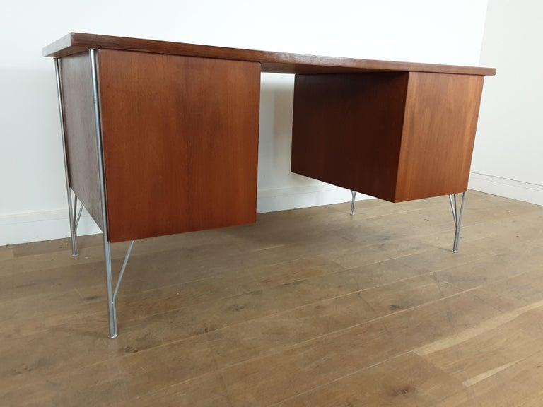 British Midcentury Teak Desk Designed by John and Sylvia Reid for Stag Furniture For Sale 11