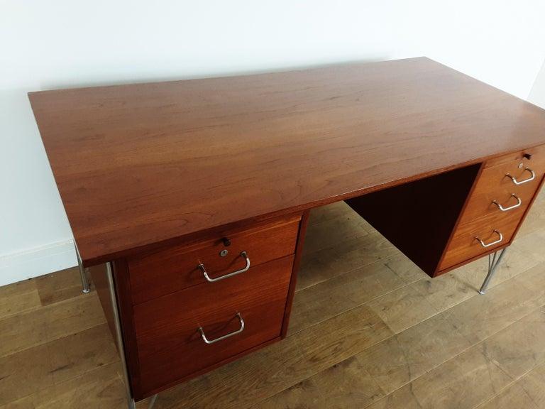 British Midcentury Teak Desk Designed by John and Sylvia Reid for Stag Furniture For Sale 2