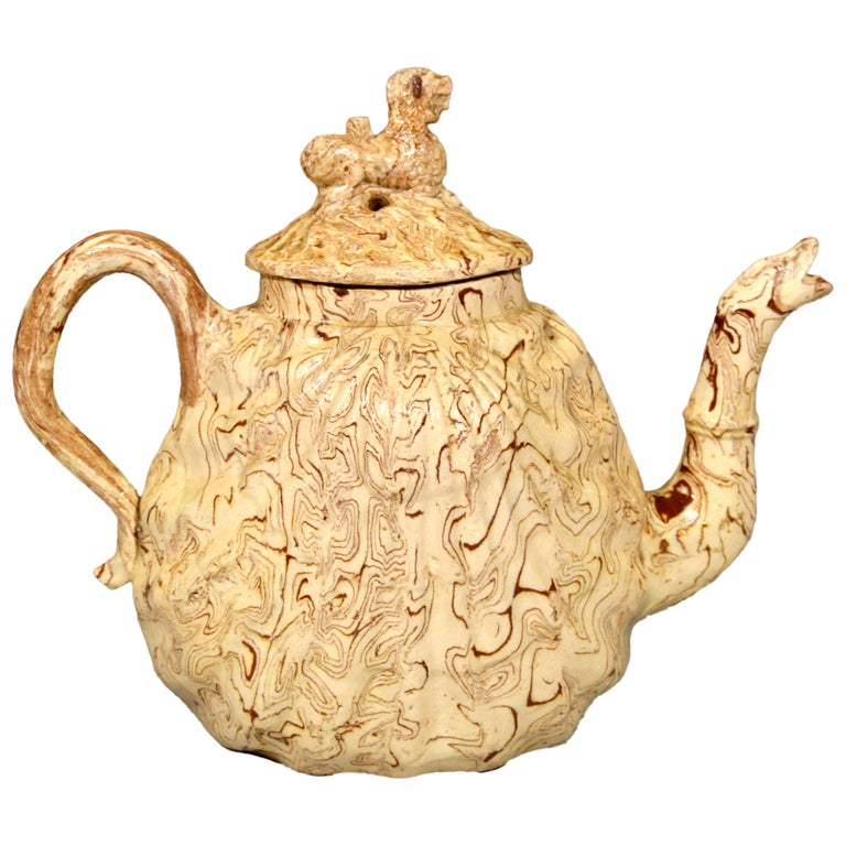 British Pottery Solid Agate Pecten Shell Teapot and Cover, circa 1755-1760 For Sale