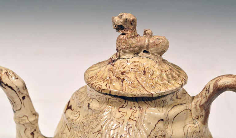 British Pottery Solid Agate Pecten Shell Teapot and Cover, circa 1755-1760 For Sale 4