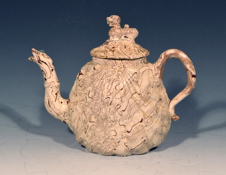 British Pottery Solid Agate Pecten Shell Teapot and Cover, circa 1755-1760 For Sale 5