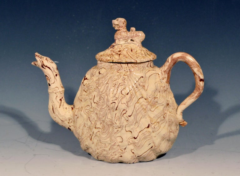 Georgian British Pottery Solid Agate Pecten Shell Teapot and Cover, circa 1755-1760 For Sale