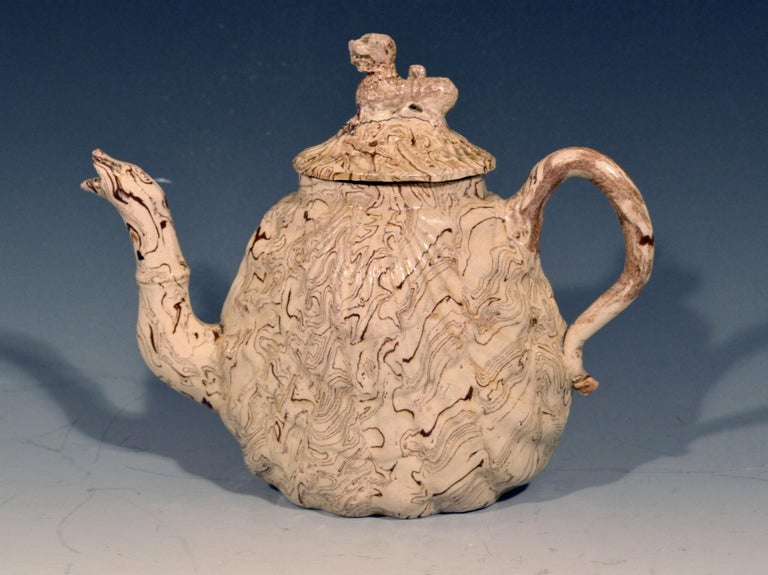 English British Pottery Solid Agate Pecten Shell Teapot and Cover, circa 1755-1760 For Sale