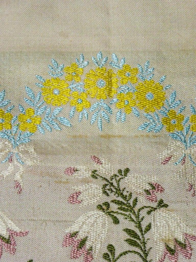 Brocaded Silk Scarf - Spitalfield Manufacture England around 1820 For Sale 7