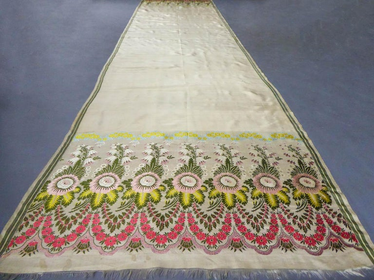 Brown Brocaded Silk Scarf - Spitalfield Manufacture England around 1820 For Sale
