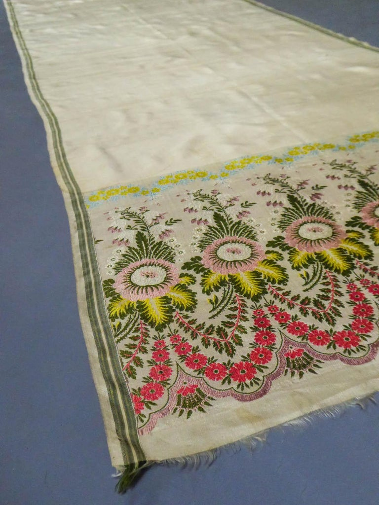 Brocaded Silk Scarf - Spitalfield Manufacture England around 1820 In Good Condition For Sale In Toulon, FR