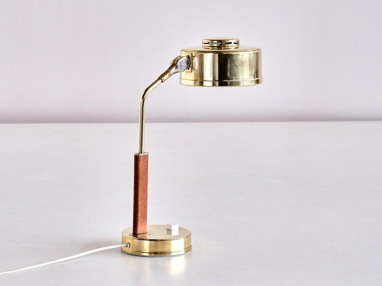 Scandinavian Modern Bröderna Johansson Desk Lamp in Brass and Teak, Skellefteå, Sweden, 1950s For Sale
