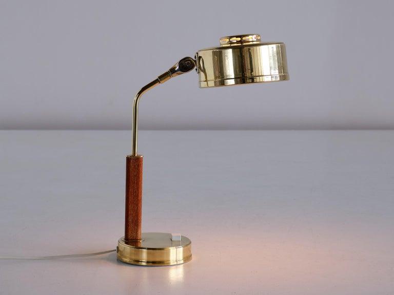 Swedish Bröderna Johansson Desk Lamp in Brass and Teak, Skellefteå, Sweden, 1950s For Sale