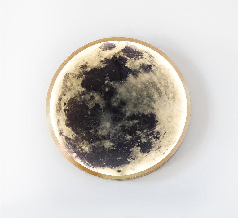Zeitgenössische Mond-Wandleuchte aus Bronze und Glas 7