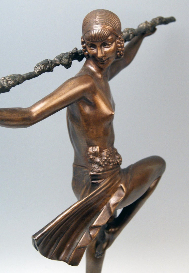 Patinated Bronze Art Deco Bacchanalian Lady Nude Dancing by Pierre Le Faguays, circa 1935 For Sale