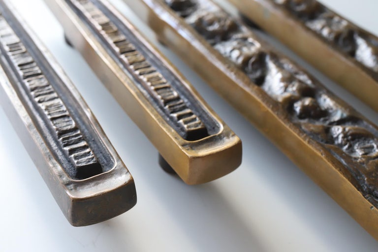 Bronze Door Pulls by Forms and Surfaces For Sale 7