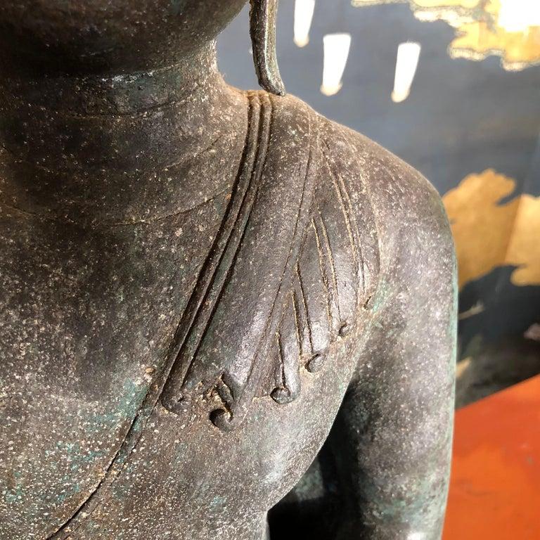 Bronze Enlightenment Buddha Shakyamuni Serene Down Cast Eyes 18th Century For Sale 10