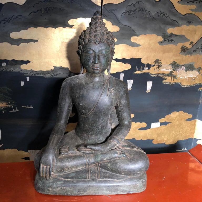 Thai Bronze Enlightenment Buddha Shakyamuni Serene Down Cast Eyes 18th Century For Sale