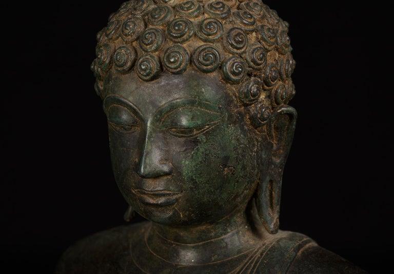 Bronze Enlightenment Buddha Shakyamuni Serene Down Cast Eyes 18th Century For Sale 1
