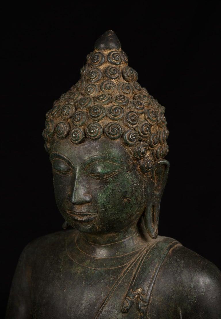 Bronze Enlightenment Buddha Shakyamuni Serene Down Cast Eyes 18th Century For Sale 2