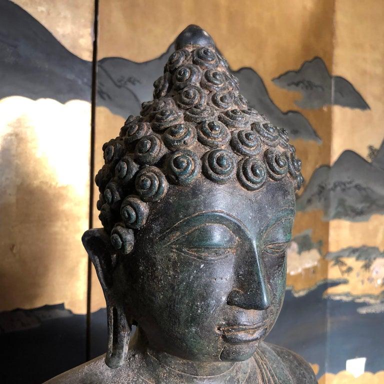 Bronze Enlightenment Buddha Shakyamuni Serene Down Cast Eyes 18th Century For Sale 3