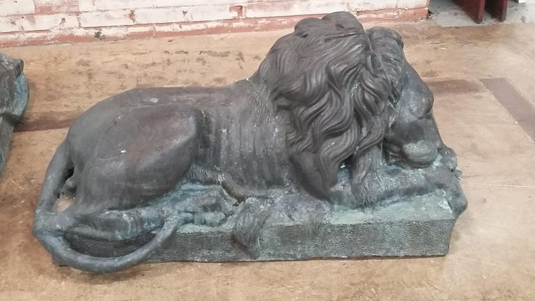 Bronze Entraceway Lions In Good Condition For Sale In Stamford, CT