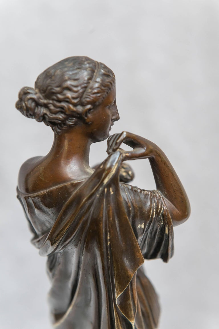 Bronze Figure of Venus, Souvenir of the Grand Tour For Sale 6