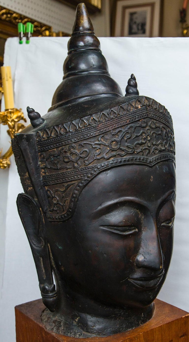 Bronze Head of a Buddha For Sale 1