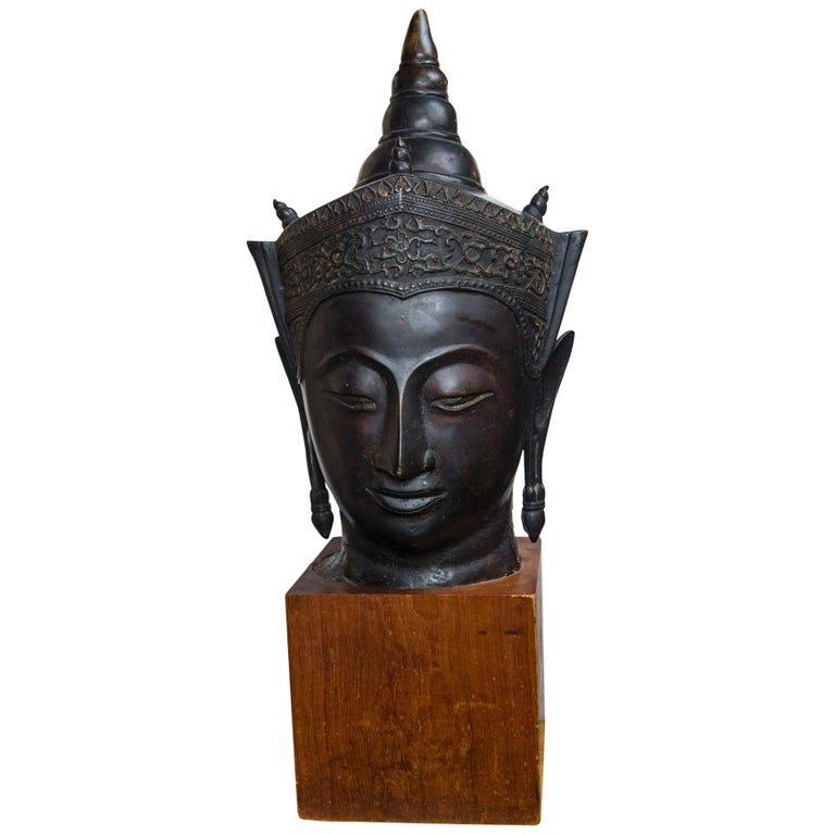 Bronze Head of a Buddha For Sale