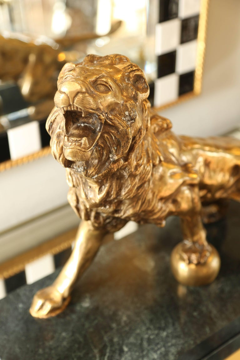 Bronze Lion on Marble Base In Excellent Condition For Sale In West Palm Beach, FL