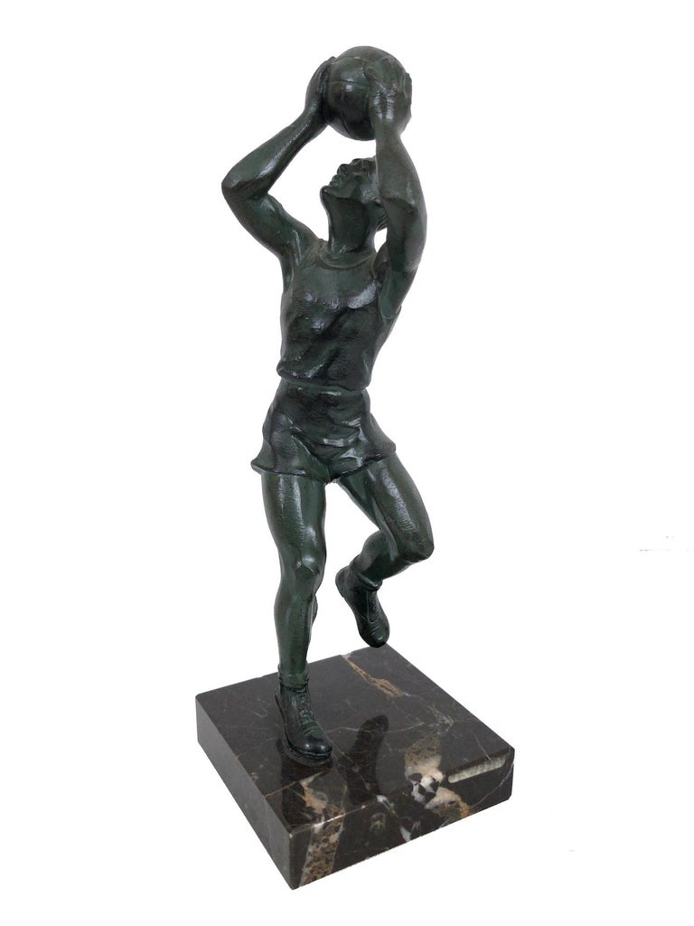 Sculpture in bronze 