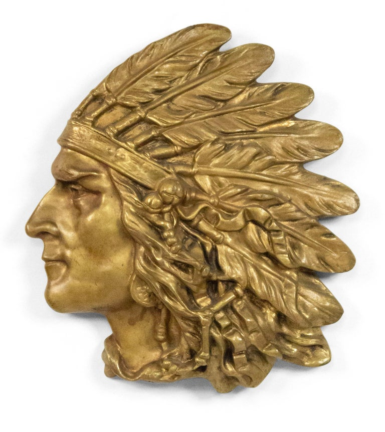 Bronze Wall Plaque of Indian Head in Profile 'First Quarter of the 20th Century' For Sale 2