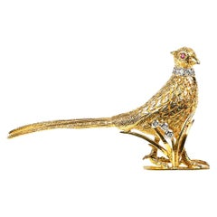Standing Pheasant Brooch 18 Carat Gold with Ruby & Diamonds, English circa 1965