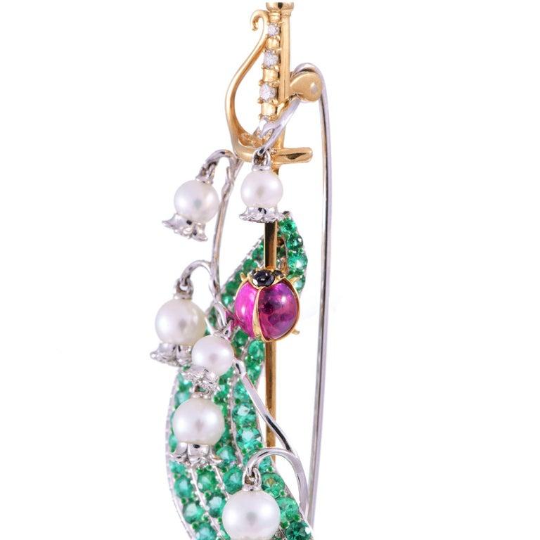 Art Deco Brooch 18 Karat Yellow Gold 2.48 Carat White Diamonds 3.14 Carat Emeralds For Sale