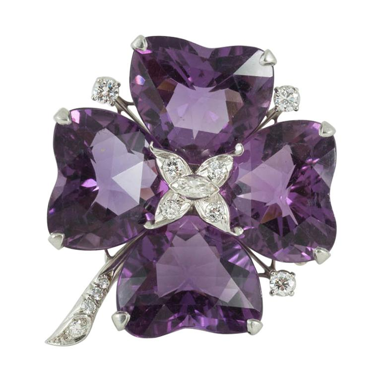 Brooch Amethyst and Diamond Platinum Mounted Four Leaf Clover, circa 1950 For Sale