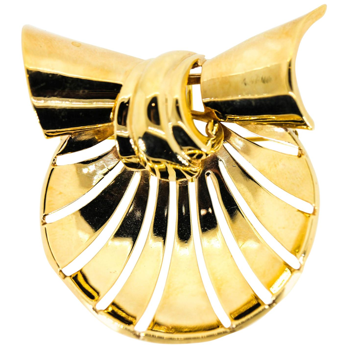 Retro Earrings and Brooch Gold Set