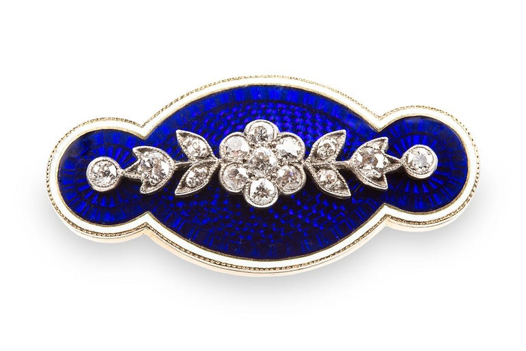 Brooch Antique Diamond Blue and White Enamel Oval in 18 Carat Gold, circa 1890 In Good Condition For Sale In London, GB