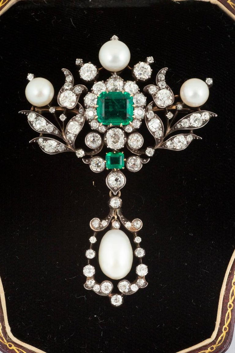 High Victorian Antique Emerald Diamond and Natural Pearl Pendant Brooch English, circa 1865 For Sale