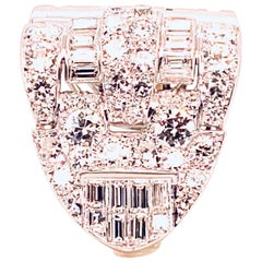 Brooche Art Deco Diamonds Brillants and Baguettes 5 Carat Platinium and Gold
