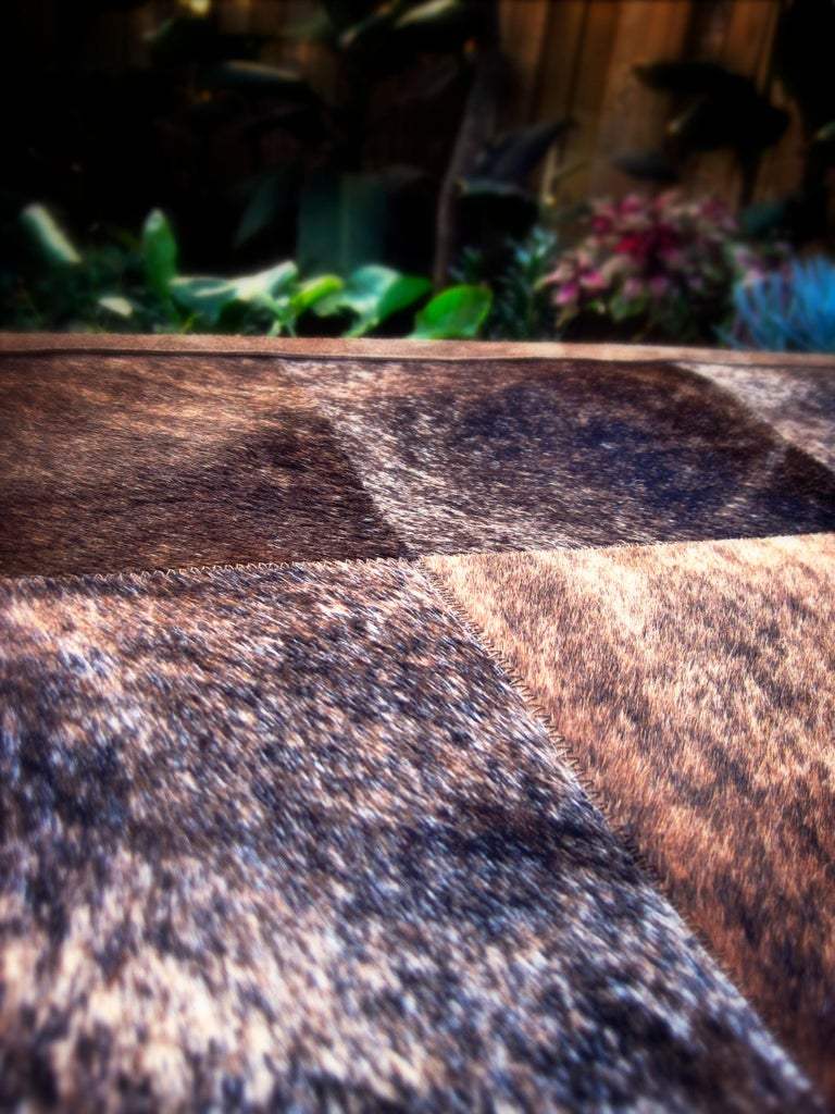 Brown and Black Versatile customizable Desnudo Cowhide Area Floor Rug Small In New Condition For Sale In Charlotte, NC