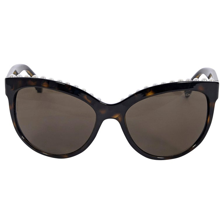 Chanel Brown Faux Pearl-Trimmed Sunglasses For Sale