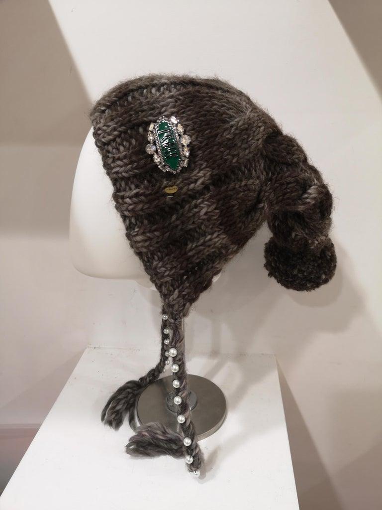 Brown grey wool peace brooch hat totally handmade
