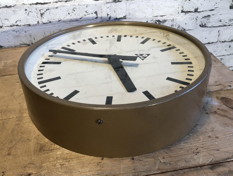 Brown Industrial Wall Clock from Pragotron, 1960s In Fair Condition In Mratin, CZ
