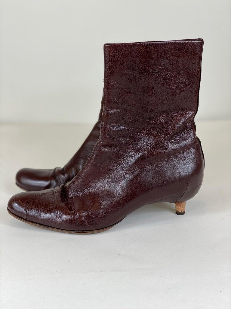 Women's Brown Kitten Heel Bootie Size 8 For Sale